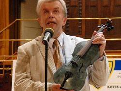 Jaroslav Svěcený zahrál na mramorové housle