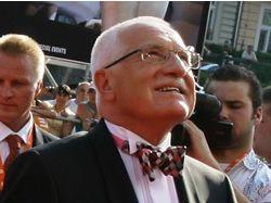 Filmový festival v Karlových Varech zahájily celebrity, účastnil se i prezident Klaus