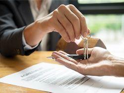 Realitní makléř je často rizikový článek při koupi nemovitosti