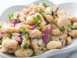 10 zeleninových salátů s fazolemi