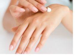 Jak správně pečovat o ruce