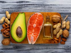 Některé tuky jsou pro tělo nenahraditelné a jsou zbytečným strašákem